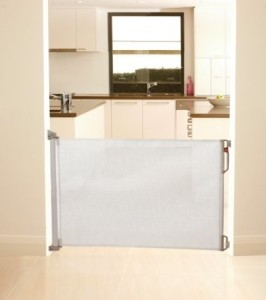 retractable dreambaby gate