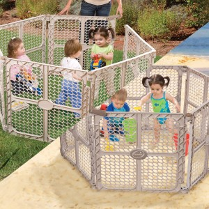 Baby play yard gates