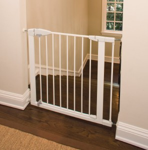 Munchkin Easy Close Metal Gate