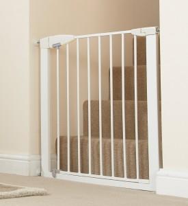 White Metal Munchkin Easy-Close Gate