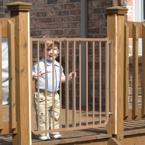 Cardinal-Gates-Stairway-Special-Outdoor-Gate