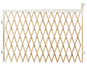 Wide Spaces Munchkin Expanding Light Wood Gate