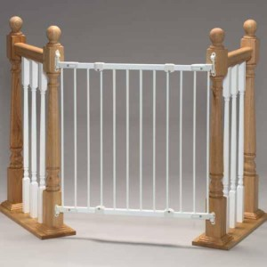 Angle mounted baby gate